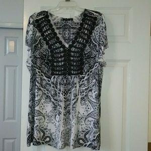 Apt 9 black and white blouse